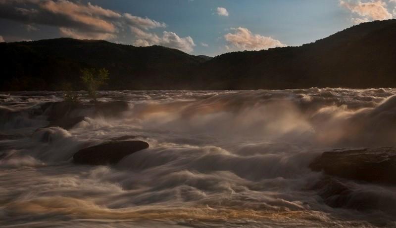 sandstone-falls