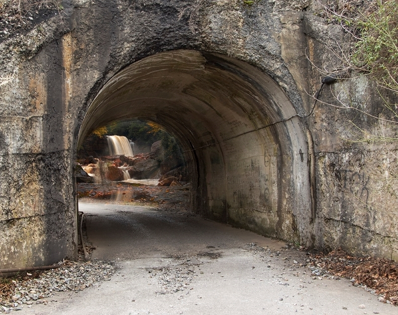 Arch to Douglas